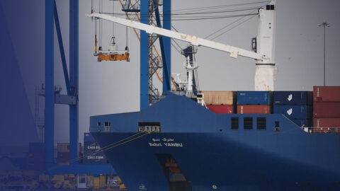 Une ONG tente d'empêcher le chargement d'armes françaises sur un navire saoudien