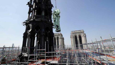Incendie de Notre Dame de Paris: Les enquêteurs face à des centaines de scellés et des milliers de photos