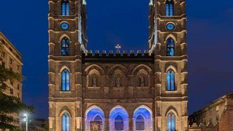 La première messe à Notre-Dame après l'incendie célèbre une cathédrale «toujours vivante» (images)