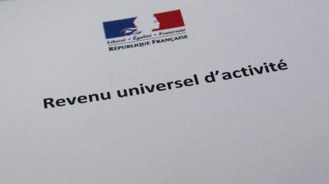 À quoi pourrait ressembler le futur revenu universel d'activité voulu par Macron ?
