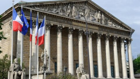 Haine en ligne : L'Assemblée vote l'obligation de retrait des contenus en 24 heures