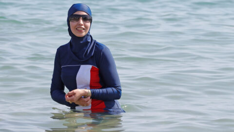 Burkini : l'association Alliance Citoyenne a reçu 80 000 dollars de la fondation de George Soros
