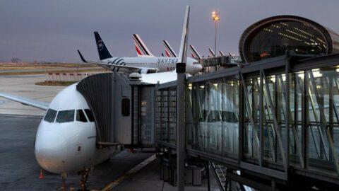 Le gouvernement veut mettre en place une écotaxe de 1,50 euro à 18 euros sur les billets d'avion à partir de 2020