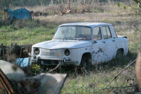 PRIVILÈGES : Les anciens premiers ministres ont droit à une voiture avec chauffeur… à vie !