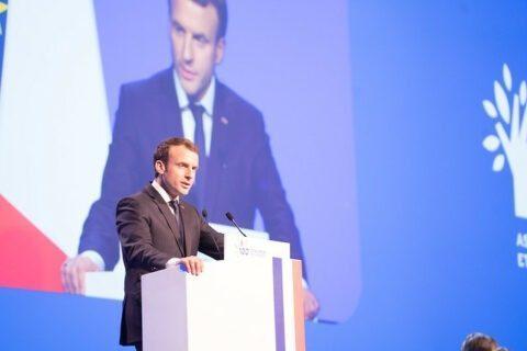Macron met en garde contre l'immigration (qu'il a lui-même encouragée)