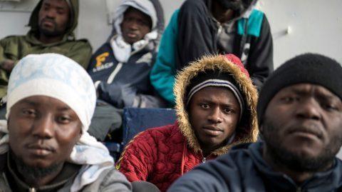 Italie : un infiltré révèle les liens troubles entre une ONG et des passeurs [RAPPEL]