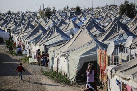 Intervention turque en Syrie : l'Europe s'émeut, Erdogan menace de laisser passer les réfugiés