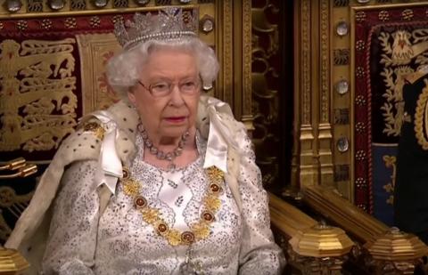 La reine Élisabeth II défend le Brexit lors de son discours annuel