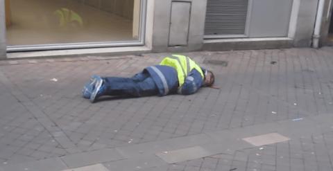 Minute par minute : comment la police a enfreint la loi à Bordeaux et a blessé un Gilet Jaune à la tête (VIDÉO)