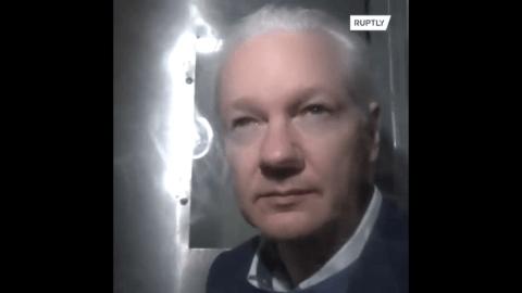 Craig Murray, diplomate britannique : « J'ai été profondément ébranlé par la comparution d'Assange au tribunal »