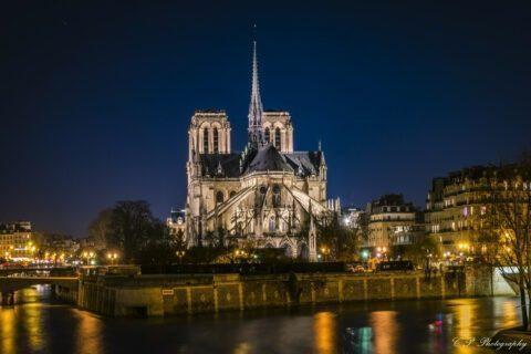 """L'architecte de Notre Dame veut reconstruire à l'identique : """"qu'il ferme sa gueule"""" lui répond le général en charge des travaux"""