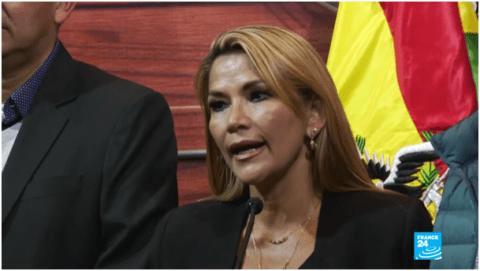 Suite au coup d'État, la Bolivie rétablit ses relations diplomatiques avec Israël et censure Russia Today