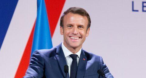 Coup de com' : non, Macron ne renonce pas à sa retraite de Président !