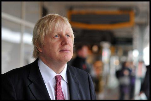 Triomphe de Boris Johnson et des pro-Brexit : « Nous vivons dans la plus grande démocratie du monde »
