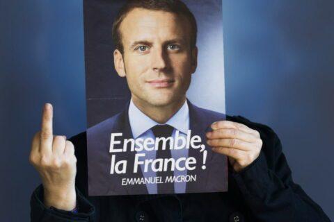 Macron aux Français (réfractaires) : « Mais allez en dictature ! »