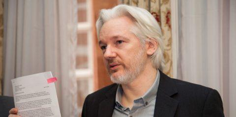 L'avocat de Julian Assange réclame l'asile politique à Emmanuel Macron