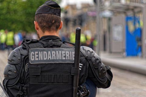 Pour le gouvernement de Macron : « Les réseaux sociaux doivent se voir appliquer un contrôle systémique. »