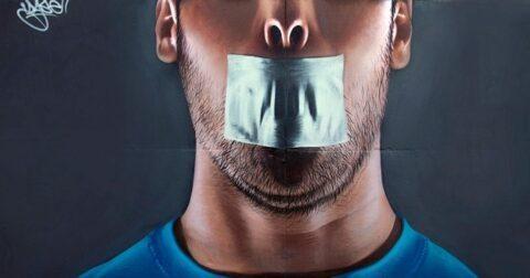 """Twitter, YouTube et Google en croisade contre les """"faux contenus"""" : une censure politique masquée ?"""