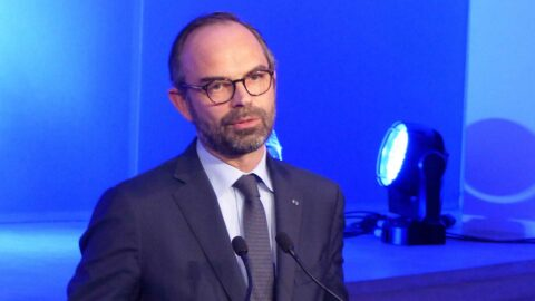 Coronavirus: la confiance des Français envers le gouvernement s'écroule