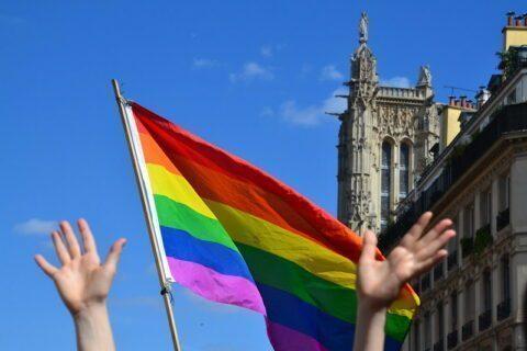 Dans tout Paris, Anne Hidalgo veut donner + de visibilité à la culture LGBTQI+