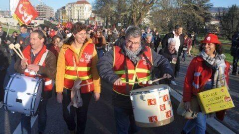 Coronavirus : un préavis de grève dans les services publics en pleine crise sanitaire