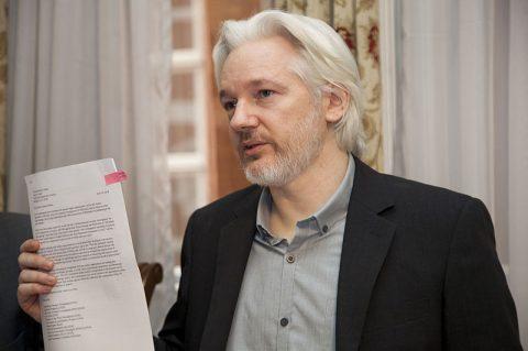 Malgré le Covid-19, la demande de libération sous caution de Julian Assange a été refusée