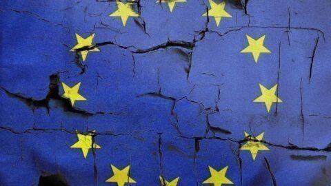 """La presse italienne se déchaîne contre une Union Européenne """"morte"""" et qui """"sera emportée par le Coronavirus"""""""