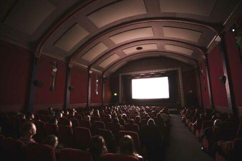 Cinéma, édition, festivals, musées… Quelles conséquences de la crise sur la culture?