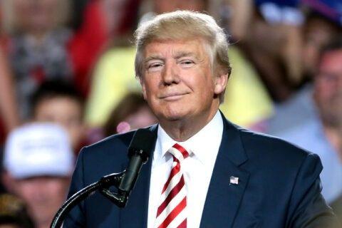 Donald trump déclare prendre de l'hydroxychloroquine « depuis une semaine et demie »