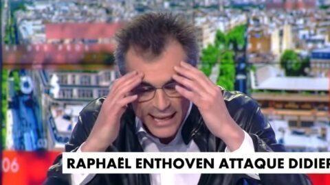"""Raphaël Enthoven dans un débat houleux chez Pascal Praud : """"Raoult, ce charlatan qui se prend pour Dieu"""" (VIDÉO)"""