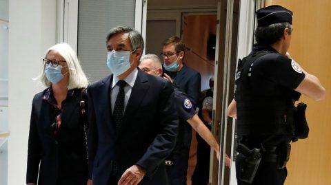 Affaire Fillon : deux ans de prison ferme pour l'affaire des emplois fictifs