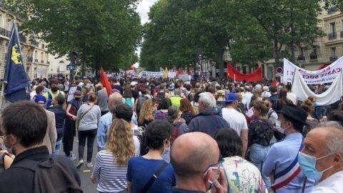 Manifestation de l'hôpital public: « Finis les applaudissements, place aux rassemblements »