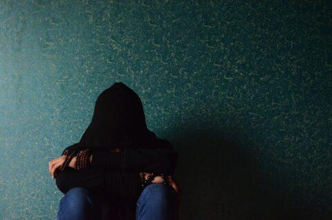 Sur les réseaux sociaux, les victimes de viol et d'amnésie traumatique réclament plus de protection