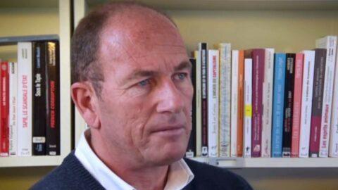 """Etienne Chouard convoqué pour """"contestation de crime contre l'humanité"""""""