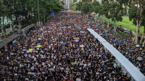 Avec la crise, verra-t-on une vague de soulèvements populaires?