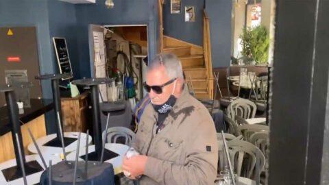 Conspué par des gilets jaunes, Jean-Marie Bigard contraint de quitter l'un des rassemblements parisiens